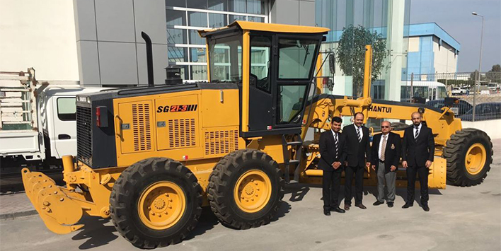 ZAYANI MOTORS DELIVERS FIRST SHANTUI MOTOR GRADER