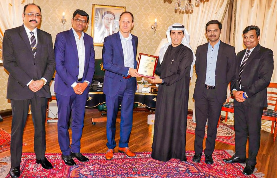 'Zayani Motors', 'Al Fateh Group' Ink USD0.5 Million Fuso Trucks Deal
