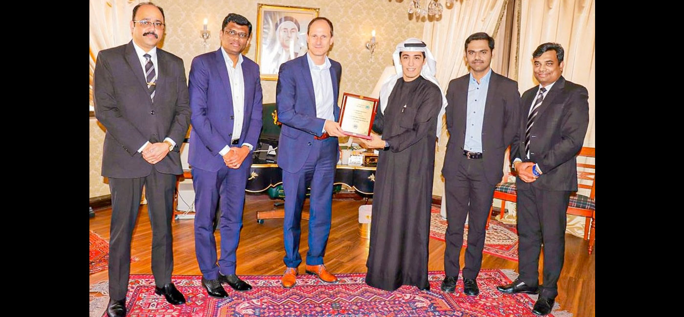 'Zayani Motors', 'Al Fateh Group' Ink USD0.5 Million Fuso Trucks Deal
